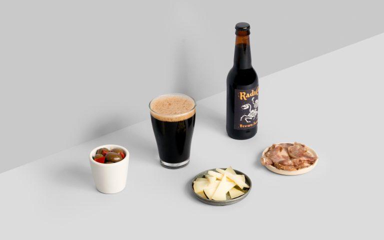 Disseny-ilustracio-etiqueta-cervesa-Radicat